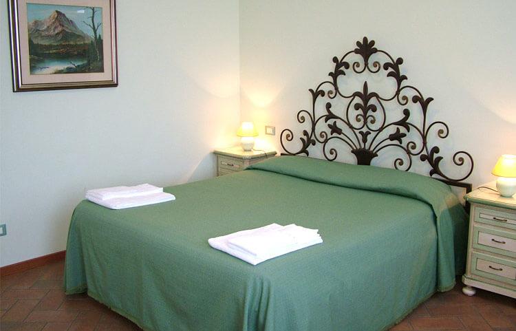 relax-e-natura-a-Verona-Agriturismo-Verona-BB-Mambrotta-Camera-con-cucina-Torcolo